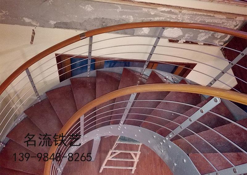 钢木楼梯哪家好