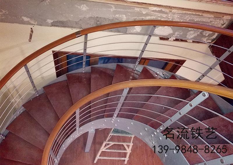 普兰店钢木楼梯