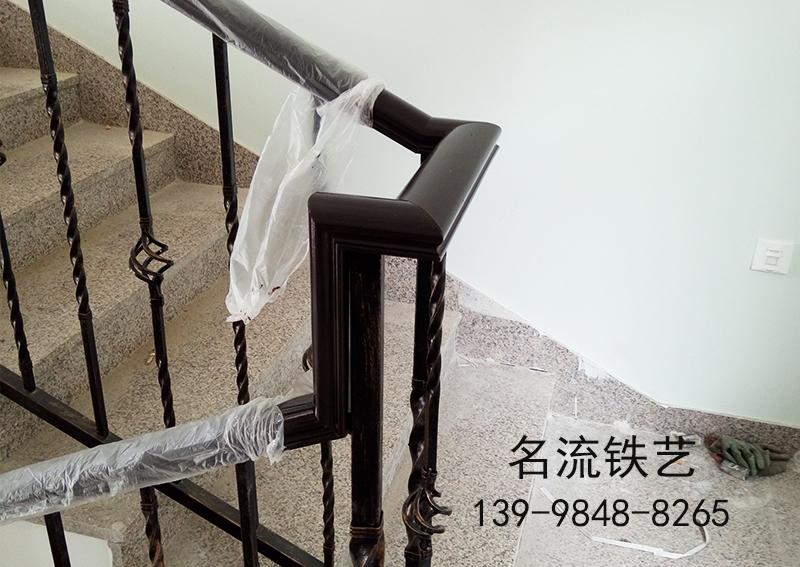 大连楼梯扶手安装